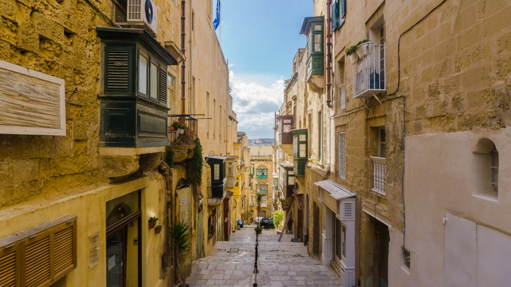 Malta Valletta buildings and streets